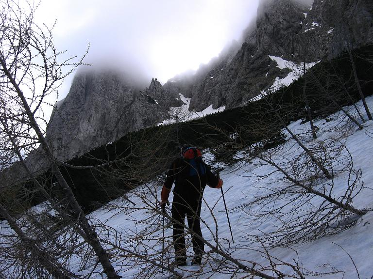 Foto: Andreas Koller / Klettersteigtour / ÖTK-Klettersteig Koschutnikturm neu und alt (2136 m) / 16.05.2010 00:38:45