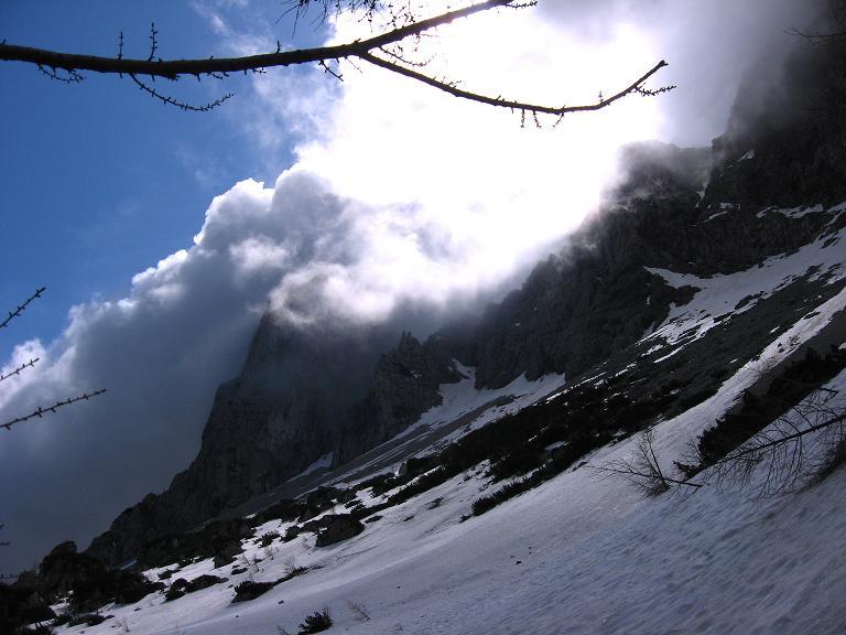 Foto: Andreas Koller / Klettersteigtour / ÖTK-Klettersteig Koschutnikturm neu und alt (2136 m) / 16.05.2010 00:37:44