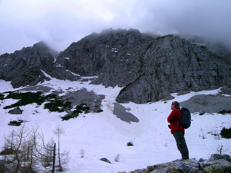 Foto: Andreas Koller / Klettersteigtour / ÖTK-Klettersteig Koschutnikturm neu und alt (2136 m) / 16.05.2010 00:37:16