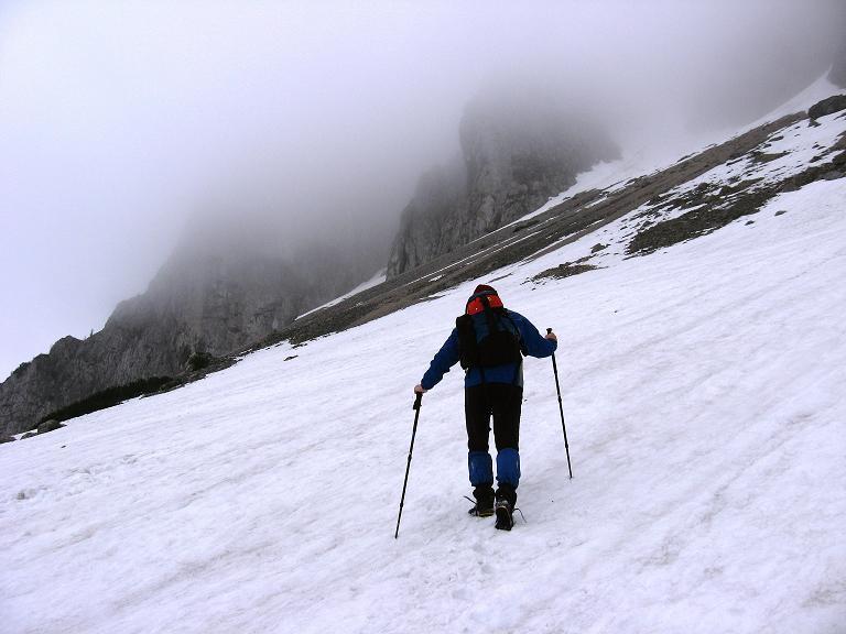 Foto: Andreas Koller / Klettersteigtour / ÖTK-Klettersteig Koschutnikturm neu und alt (2136 m) / 16.05.2010 00:36:53