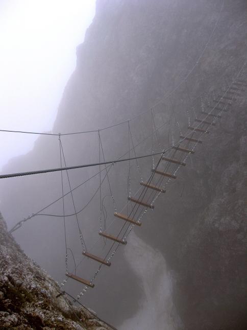 Foto: Andreas Koller / Klettersteigtour / ÖTK-Klettersteig Koschutnikturm neu und alt (2136 m) / 16.05.2010 00:35:26