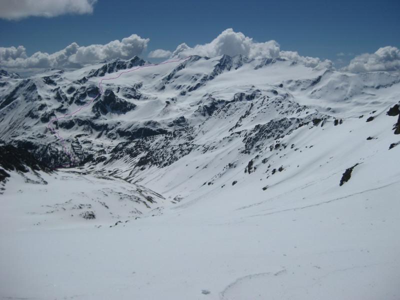 Foto: Wolfgang Lauschensky / Skitour / Östliche Veneziaspitze (3356m) - oder III. Veneziaspitze / Anstieg auf die Veneziaspitze vom Madritschjoch aus gesehen / 27.05.2010 15:57:25