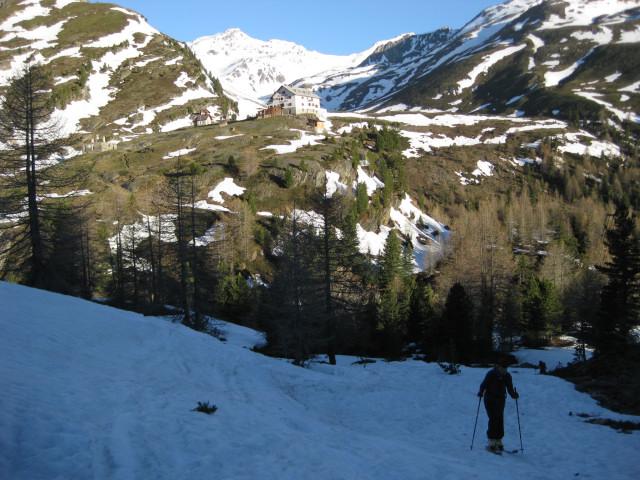 Foto: Wolfgang Lauschensky / Skitour / Östliche Veneziaspitze (3356m) - oder III. Veneziaspitze / Zufallhütte im Frühling / 27.05.2010 15:56:57