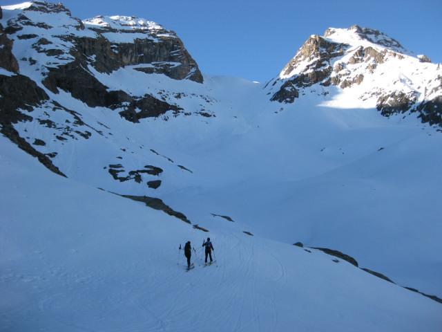 Foto: Wolfgang Lauschensky / Skitour / Östliche Veneziaspitze (3356m) - oder III. Veneziaspitze / der große Steilhang zwischen den Felsen / 27.05.2010 15:56:18