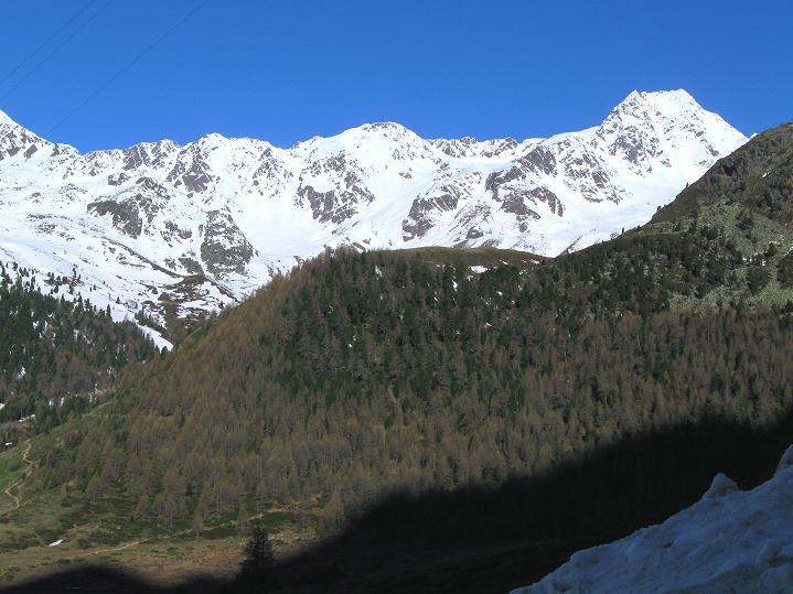 Foto: Andreas Koller / Skitour / Aus dem Schnalstal aufs Teufelsegg (3225 m) / Schwemserspitze (3459 m) / 30.05.2010 01:28:26