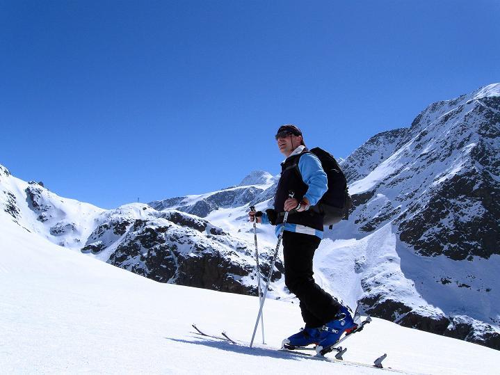 Foto: Andreas Koller / Skitour / Aus dem Schnalstal aufs Teufelsegg (3225 m) / 30.05.2010 01:26:02