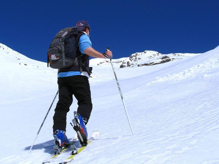 Foto: Andreas Koller / Skitour / Aus dem Schnalstal aufs Teufelsegg (3225 m) / 30.05.2010 01:25:14