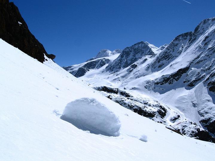 Foto: Andreas Koller / Skitour / Aus dem Schnalstal aufs Teufelsegg (3225 m) / 30.05.2010 01:25:05