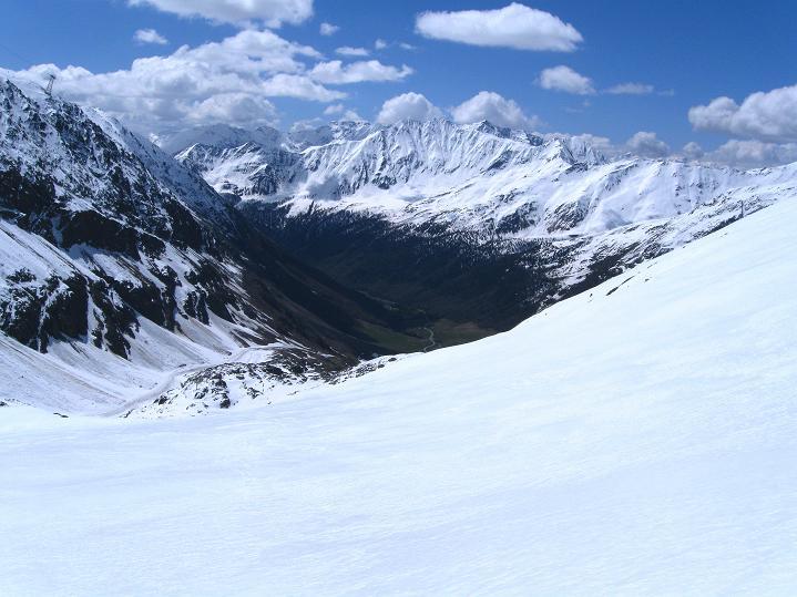Foto: Andreas Koller / Skitour / Aus dem Schnalstal aufs Teufelsegg (3225 m) / 30.05.2010 01:24:43