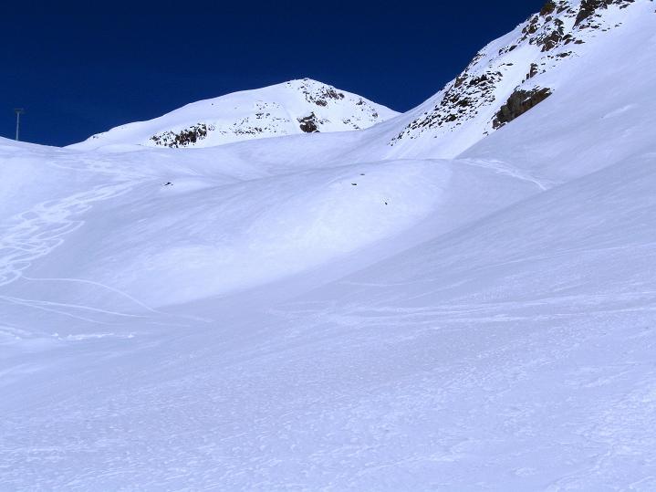 Foto: Andreas Koller / Skitour / Aus dem Schnalstal aufs Teufelsegg (3225 m) / Schöner Skigipfel: das Teufelsegg / 30.05.2010 01:23:53