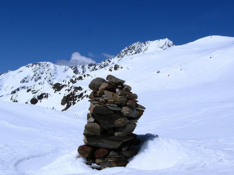 Foto: Andreas Koller / Skitour / Aus dem Schnalstal aufs Teufelsegg (3225 m) / 30.05.2010 01:23:26