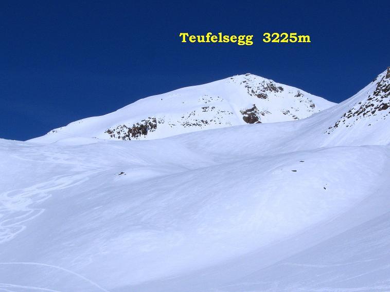 Foto: Andreas Koller / Skitour / Aus dem Schnalstal aufs Teufelsegg (3225 m) / 30.05.2010 01:23:16