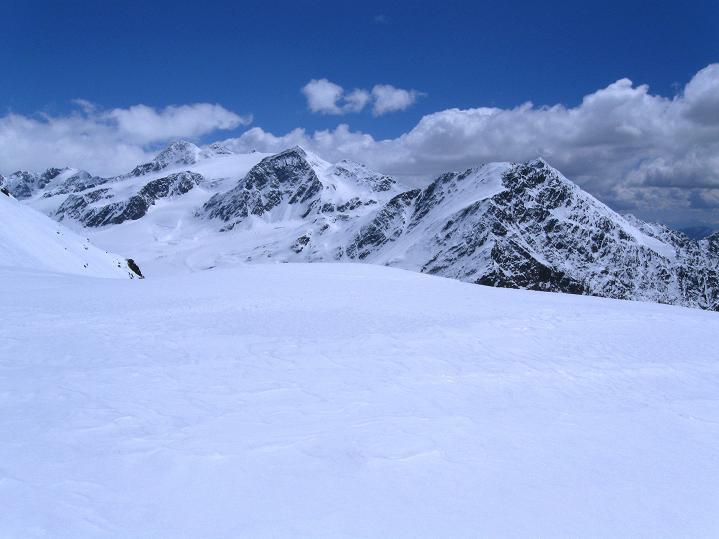 Foto: Andreas Koller / Skitour / Aus dem Schnalstal aufs Teufelsegg (3225 m) / 30.05.2010 01:17:33