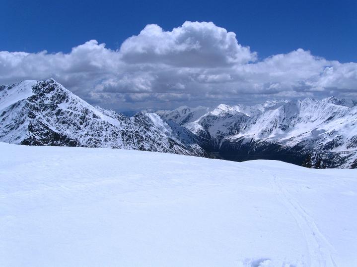 Foto: Andreas Koller / Skitour / Aus dem Schnalstal aufs Teufelsegg (3225 m) / 30.05.2010 01:17:25