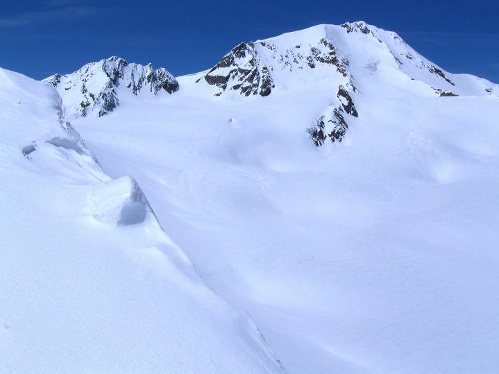 Foto: Andreas Koller / Skitour / Aus dem Schnalstal aufs Teufelsegg (3225 m) / Weißkugel (3739 m) / 30.05.2010 01:15:27