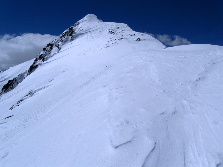 Foto: Andreas Koller / Skitour / Aus dem Schnalstal aufs Teufelsegg (3225 m) / Gipfelaufbau Teufelsegg / 30.05.2010 01:15:10