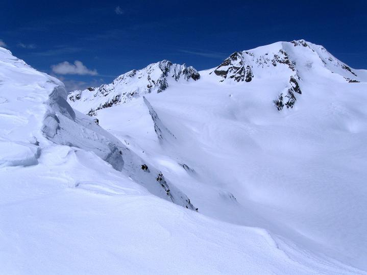 Foto: Andreas Koller / Skitour / Aus dem Schnalstal aufs Teufelsegg (3225 m) / Weißkugel (3739 m) / 30.05.2010 01:14:13
