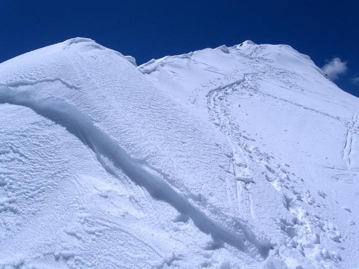 Foto: Andreas Koller / Skitour / Aus dem Schnalstal aufs Teufelsegg (3225 m) / Der Gipfelaufschwung zum Teufelsegg / 30.05.2010 01:13:40