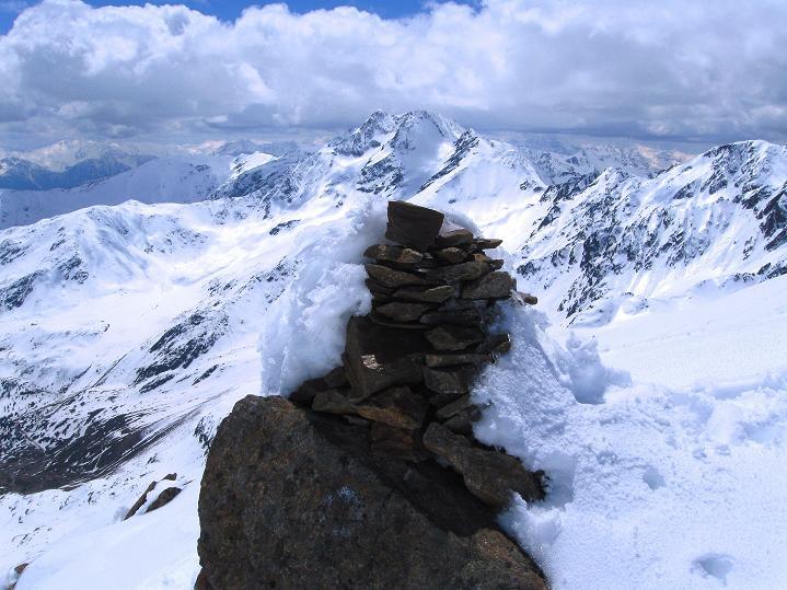 Foto: Andreas Koller / Skitour / Aus dem Schnalstal aufs Teufelsegg (3225 m) / Am Teufelsegg / 30.05.2010 01:12:54