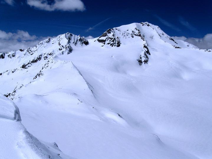 Foto: Andreas Koller / Skitour / Aus dem Schnalstal aufs Teufelsegg (3225 m) / Weißkugel (3739 m) / 30.05.2010 01:12:40