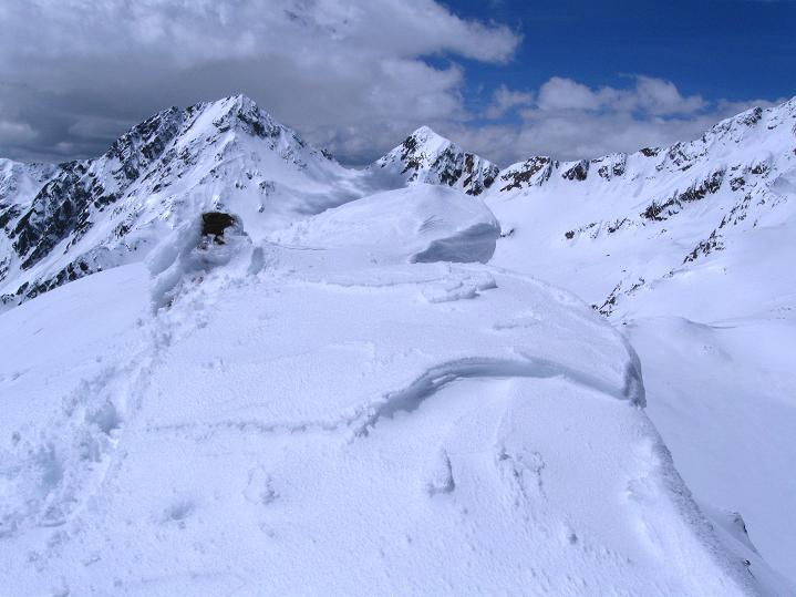 Foto: Andreas Koller / Skitour / Aus dem Schnalstal aufs Teufelsegg (3225 m) / Der verwechtete Gipfel / 30.05.2010 01:12:22