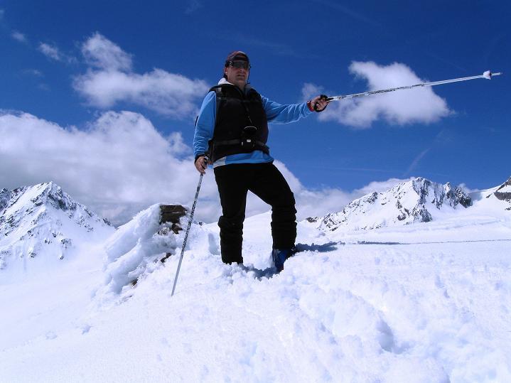 Foto: Andreas Koller / Skitour / Aus dem Schnalstal aufs Teufelsegg (3225 m) / 30.05.2010 01:09:54