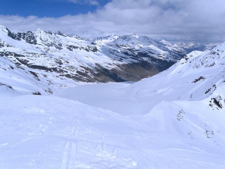 Foto: Andreas Koller / Skitour / Aus dem Schnalstal aufs Teufelsegg (3225 m) / Nochmals der Blick über den Hintereisferner / 30.05.2010 01:09:05