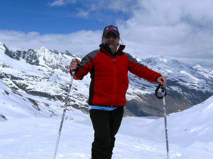 Foto: Andreas Koller / Skitour / Aus dem Schnalstal aufs Teufelsegg (3225 m) / Bereit für die Firnabfahrt / 30.05.2010 01:08:45