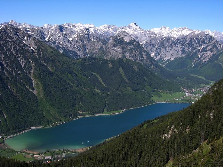 Foto: Andreas Koller / Klettersteigtour / Rosskopf Klettersteig und Rofanspitze (2259 m) / Blick ins Karwendel / 09.06.2010 02:37:29