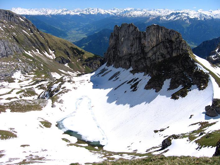 Foto: Andreas Koller / Klettersteigtour / Rosskopf Klettersteig und Rofanspitze (2259 m) / Blick nach S / 09.06.2010 02:19:59