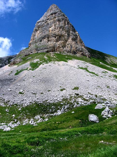 Foto: Andreas Koller / Klettersteigtour / Rosskopf Klettersteig und Rofanspitze (2259 m) / Rosskopf S-Pfeiler mit dem schwierigen Klettersteig / 14.07.2010 14:53:53