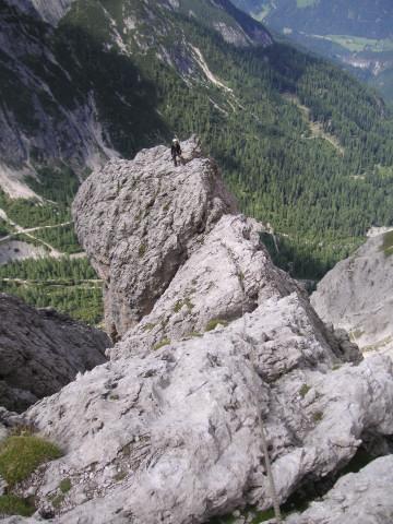 Foto: Wolfgang Lauschensky / Klettertour / Bügeleisenkante – Roter Turm – Ellerturm / exponierter Gratturm - Ende der Schwierigkeiten / 17.06.2010 16:50:28