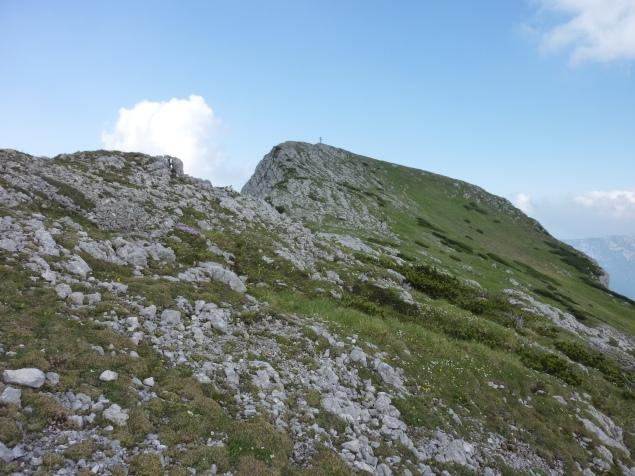 Foto: Manfred Karl / Klettersteig Tour / Haidachstellwand, Hans Obholzer Gedächtnissteig / Vom Ausstieg des Kst ist es noch ein Stück zum Gipfel / 27.09.2012 22:03:09