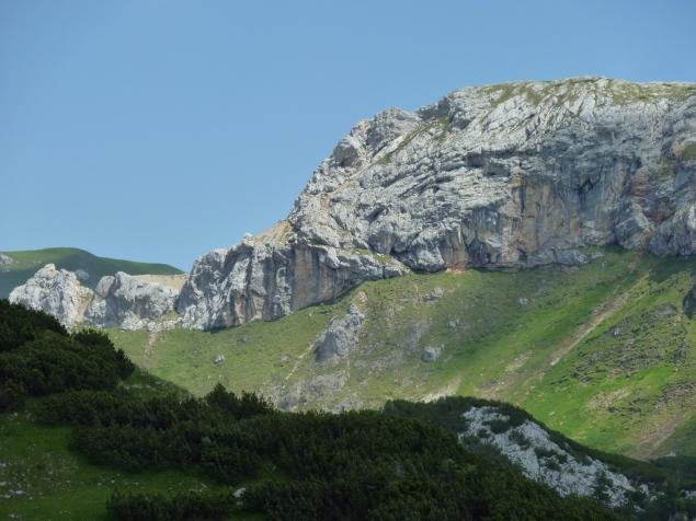 Foto: Manfred Karl / Klettersteig Tour / Haidachstellwand, Hans Obholzer Gedächtnissteig / Haidachstellwand - Links über den Grat verläuft der Klettersteig / 27.09.2012 21:59:16