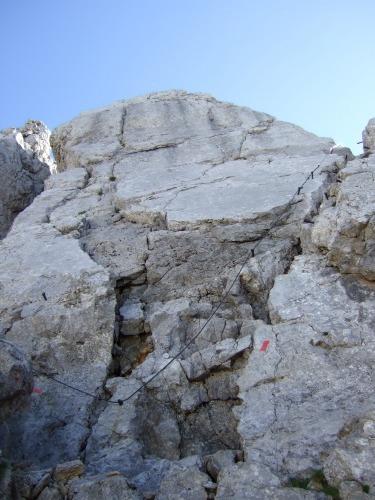 """Foto: hofchri / Klettersteigtour / Ellmauer Halt (2.344 m) über """"Gamsängersteig"""" / Weggabelung - rechts die ausgesetzte Platte / 12.08.2010 20:32:07"""