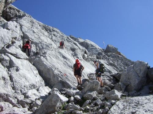 """Foto: hofchri / Klettersteigtour / Ellmauer Halt (2.344 m) über """"Gamsängersteig"""" / viel Verkehr unterhalb des Gipfels / 12.08.2010 20:33:17"""