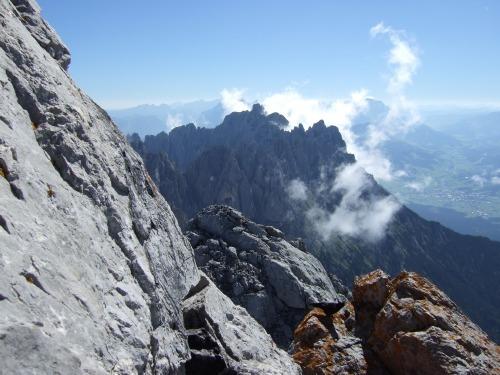 """Foto: hofchri / Klettersteigtour / Ellmauer Halt (2.344 m) über """"Gamsängersteig"""" / Blick zum Ellmauer Tor / 12.08.2010 20:33:41"""