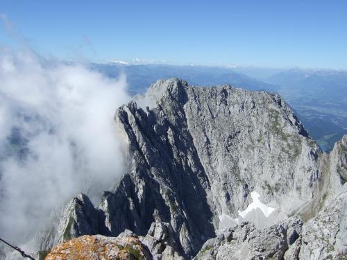 """Foto: hofchri / Klettersteigtour / Ellmauer Halt (2.344 m) über """"Gamsängersteig"""" / ma ist aber kaum alleine / 12.08.2010 20:34:55"""
