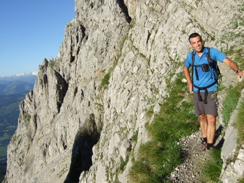 """Foto: hofchri / Klettersteigtour / Ellmauer Halt (2.344 m) über """"Gamsängersteig"""" / am Gamsängersteig - nun Helm aufsetzen! / 12.08.2010 20:27:50"""