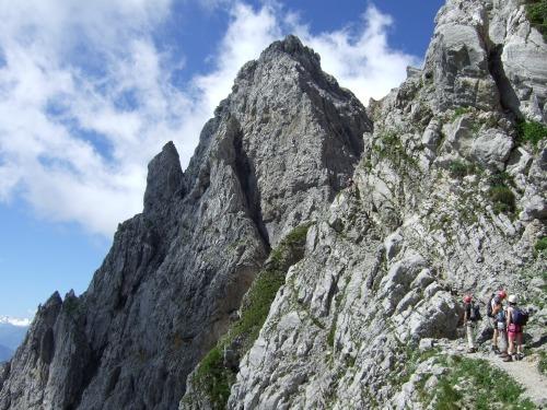 """Foto: hofchri / Klettersteigtour / Ellmauer Halt (2.344 m) über """"Gamsängersteig"""" / viel Andrang am Wochenende / 12.08.2010 20:30:54"""