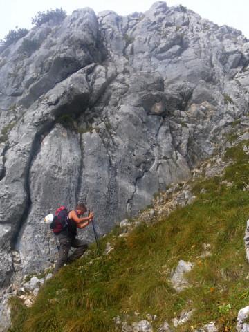 Foto: Wolfgang Lauschensky / Wandertour / Leutascher Dreitorspitze oder Karlspitze 2682m über Söllerpass und Bergleintal / Anstieg zum Söllerpass / 05.10.2010 18:36:21