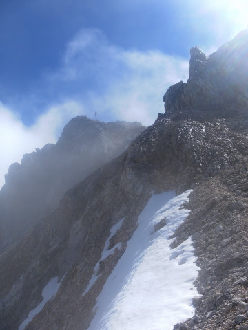 Foto: Wolfgang Lauschensky / Wandertour / Leutascher Dreitorspitze oder Karlspitze 2682m über Söllerpass und Bergleintal / Gipfelanstieg über der Rinne / 05.10.2010 18:35:00