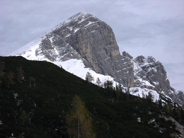 Foto: Andreas Koller / Schneeschuhtour / Über den Südwestgrat auf den Scheiblingstein (2197m) / Scheiblingstein mit dem schneebedeckten SW-Grat / 25.10.2010 16:37:32