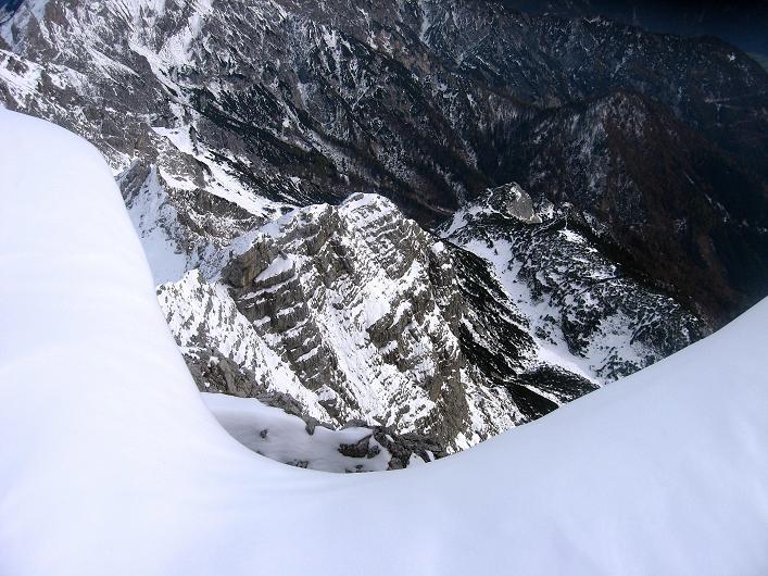 Foto: Andreas Koller / Schneeschuhtour / Über den Südwestgrat auf den Scheiblingstein (2197m) / Blick über den Wechtenrand / 25.10.2010 16:32:06