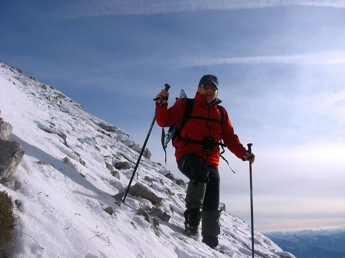 Foto: Andreas Koller / Schneeschuhtour / Über den Südwestgrat auf den Scheiblingstein (2197m) / Abstieg in der Gipfelflanke / 25.10.2010 16:08:24