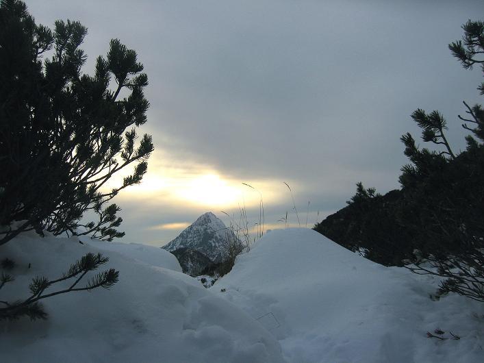 Foto: Andreas Koller / Schneeschuhtour / Über den Südwestgrat auf den Scheiblingstein (2197m) / Abstiegsimpressionen / 25.10.2010 16:06:23