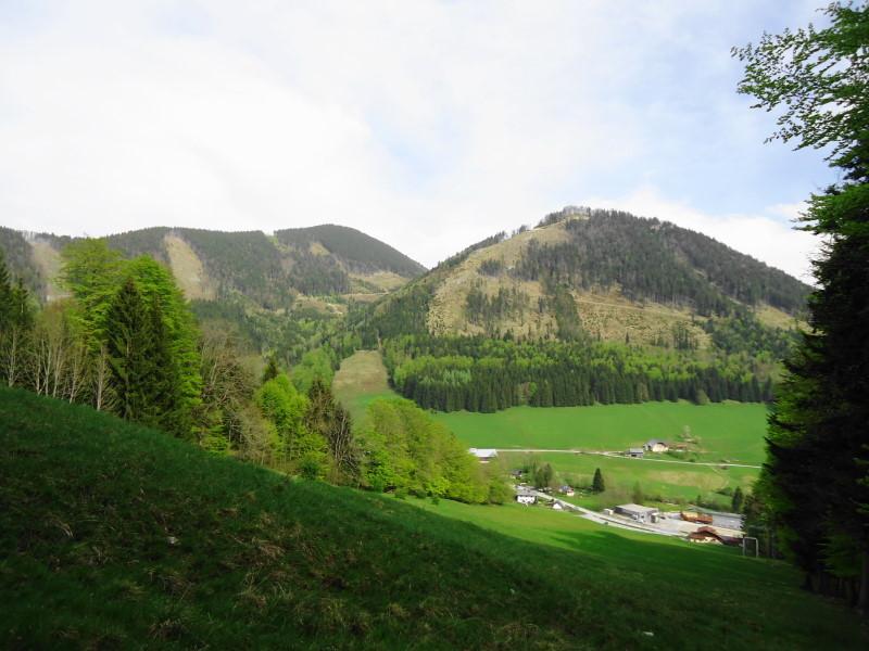 Foto: Günter Siegl / Wandertour / Filbling 1307m über Nordwestrücken / Links der Filbling (aufgenommen vom Gegenhang) / 07.05.2015 11:39:42