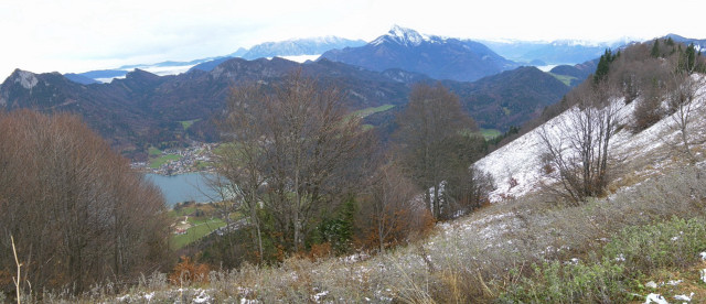 Foto: Wolfgang Lauschensky / Wandertour / Filbling 1307m über Nordwestrücken / Fuschlsee unter dem Nordhang, dahinter Schober und Schafberg / 11.11.2010 21:30:22