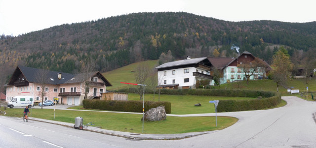 Foto: Wolfgang Lauschensky / Wandertour / Filbling 1307m: Runde über Westhang und NW-Rücken / Ausgangspunkt in Wald, dahinter der bewaldete Westhang / 16.11.2010 11:11:11