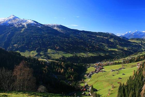 Foto: Andreas Koller / Wandertour / Alpbachtaler Wanderung (1902m) / Über dem Alpbachtal / 01.01.2011 21:11:18